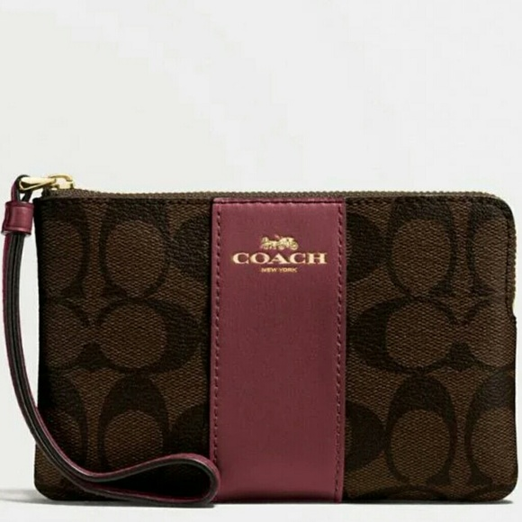 Coach Handbags - 🌺{NEW WITH TAGS} ●COACH Corner Zip Wristlet🌺🌺